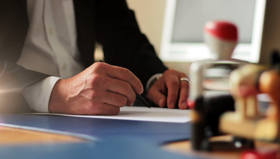 社長の新規事業、ビジネスチャンスに身元調査は必須 ※写真はイメージです