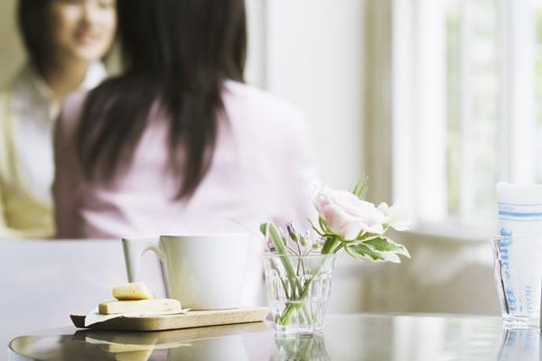 夫の浮気に悩む女性は多い(イメージ)
